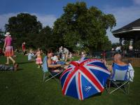 Ah To Be in England in The Summertime :-) : Hampstead Heath : London