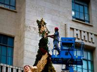 Final Touches for Christmas : Sao Paulo Christmas Tree