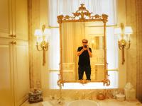 Jez Self Portrait Classic Southern Bathroom : Mississippi