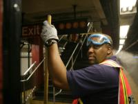 Cleaning the 7 line, NYC