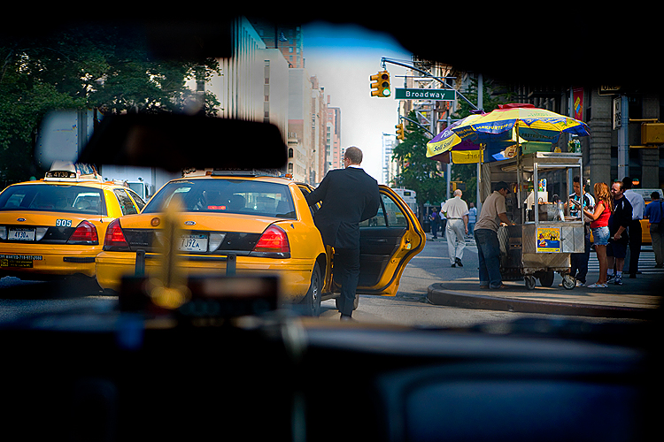 Taxi Pick Up 23rd and Broadway : Manhattan : NYC